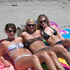 Voyeur bikini.