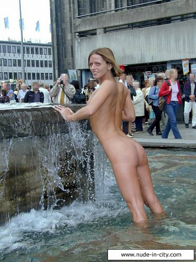 Ins Gesicht nudism city that